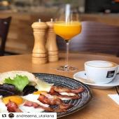 #Repost @andreaena_utaliana (@get_repost) ・・・ Každé ráno od 8:00 sme tu pre vás, slané a sladké raňajky, výborne cappuccino @goppion_caffe alebo čerstvý fresh 👌🏻 Krásny deň priatelia 🤗 @goppioncaffe.slovakia #utaliana #breakfast #morning #buongiorno #colazione #bratislava #saporiitaliani #italianfood